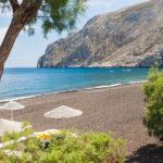 Pláž Kamari (Santorini, Řecko)
